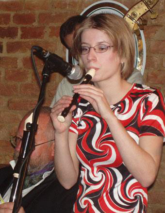 Helenka Macháčková s flétnou